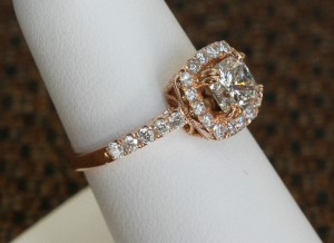 cushion-cut-rose-gold-side